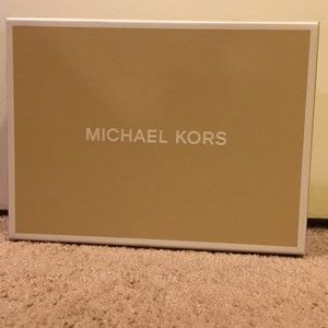 Michael Kors scarf, hat and gloves BRAND NEW